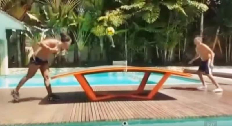 ronaldinho-ping-pong